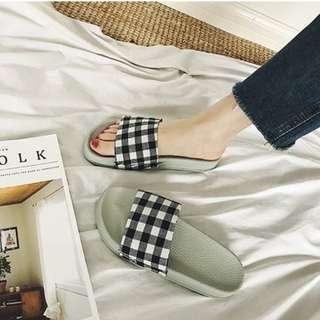 Korea Style Women Checkered flat sandal