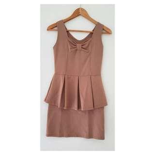 Peplum dress brown