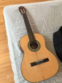 suzuki classical guitar + guitar bag