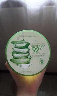Nature Republic Sooting & Moisture Aloe Vera Gel