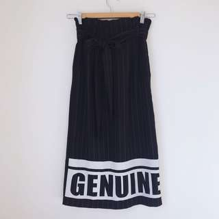 *NEW* pinstriped midi skirt with pockets size M