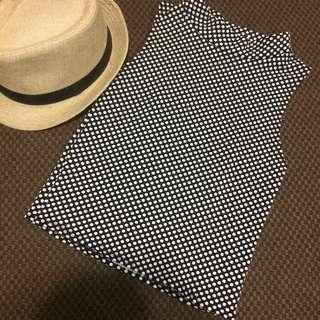 Polka dots sleeveless top