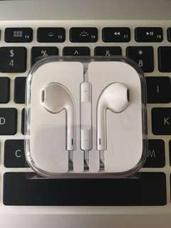 全新 iphone earphone 未拆盒