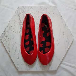 Flat shoes little thing she needs merah