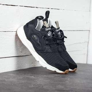 Reebok Furylite Loom Sneakers