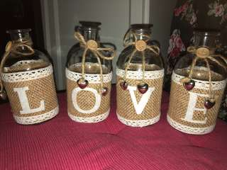 Wedding deco: L.O.V.E Glass bottles
