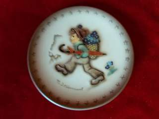 "M I Hummel Mini Plate ""Globetrotter"""
