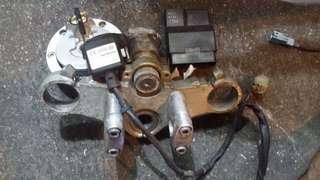 電單車cb400 vtec2 二手全套晶片鎖匙連電腦