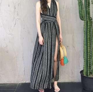 🚚 韓版時尚百搭V領後露背前開岔連衣裙