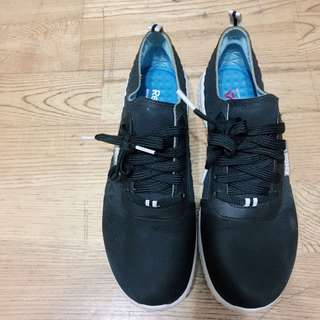 🚚 Reebok氣墊休閒鞋