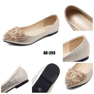 Restock Most Wanted !! ♥️ Chanel Chrisanna Flat #A8-203