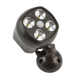 Light with sensor