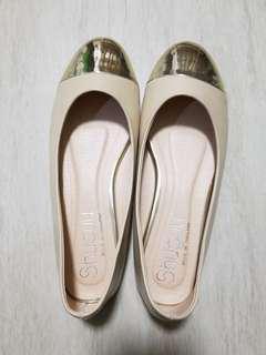 全新 100% new flat size 37 女裝平底返工鞋