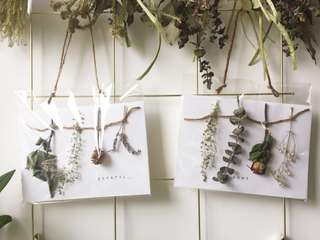🚚 Personalised Dried Flowers Greeting Card - Hanging Botanical Series W