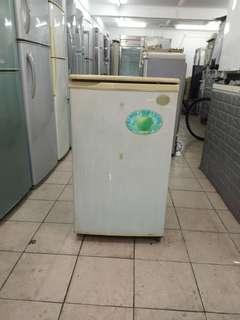 1 door fridge