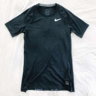 🚚 Nike pro 男子運動彈力緊身短袖T-黑 全新