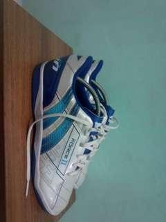 Sepatu futsal pan