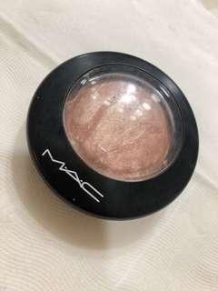 MAC SkinFinish Soft&Gentle 打亮餅 定妝餅 m.a.c