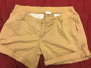 Maternity shorts size M