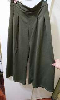 🚚 打褶墨綠寬褲