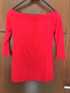 Kaos sabrina merah / sebahu