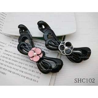 【Her Majesty的秘密花園】正韓貨珍珠花朵蝴蝶結造型相交夾香蕉夾髮飾SHC102
