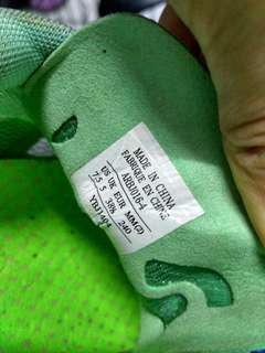Running Shoes extra light Lining ukuran 7.5