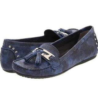 BNIB Size 9 Navy Stuart Weizman Loafers