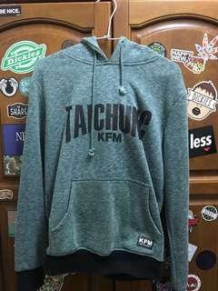🚚 KFM綠色帽T