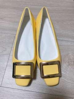 🚚 正韓全新金色方頭低跟鞋 23.5號