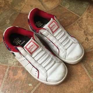 🚚 二手出清~澳洲潮鞋品牌 Royal Elastics 皮質女童休閒鞋 無鞋帶運動鞋 懶人鞋 走路鞋 童鞋 真皮球鞋 布鞋
