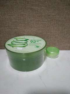 Nature Republic Aloe Vera Share in a jar
