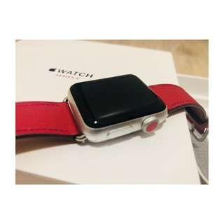 全新半價出售Apple iwatch3連正版皮帶