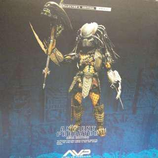 Hot Toys MMS 31 AVP Predators Ancient Predator (Asia Edition)