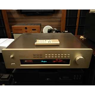 Accuphase T-109 Tuner with remote and book