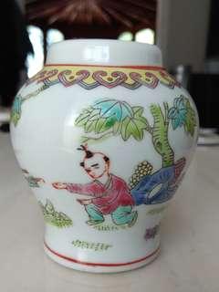 景德镇瓷器花瓶仔