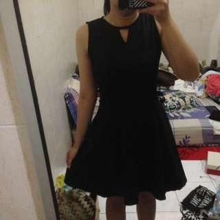 black simple dress