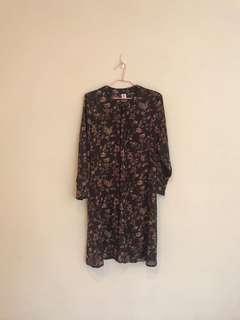 🚚 日本製復古花朵長版罩衫