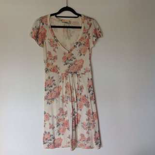 Oasis 針織洋裝 淡鵝黃花朵氣質款