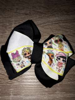Kids clips and bows sold per pc