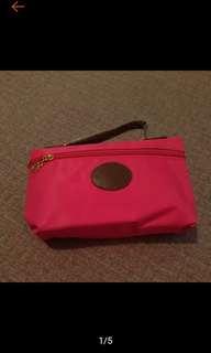🚚 全新 亮麗 桃紅 化妝包 萬用包 盥洗包 收納包