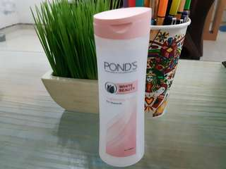 Pond's white beauty lightenng toner