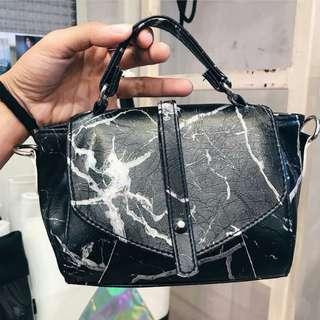 泰國🇹🇭Riyabrand自家設計黑色雲石紋小手袋可斜揹側揹手提
