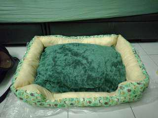 Green Owl Pet Bed With Removable Cushion