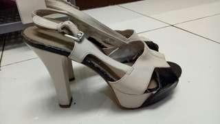 Sepatu heels nine west