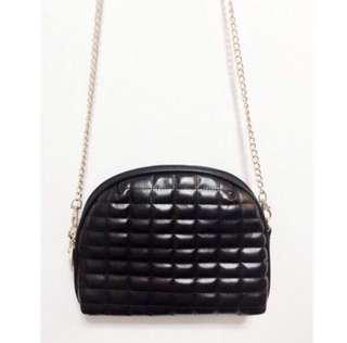 🚚 [CLEARANCE] PU Leather Small Bag With Gold Chain