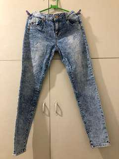 faded maong jeans size 34