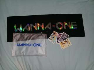Wanna One Hand Banner with Post Cards