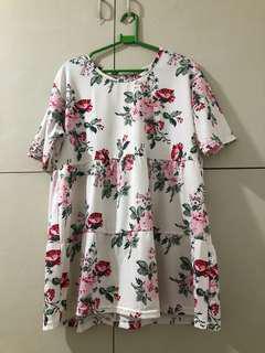 big size floral blouse