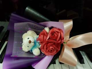 Handmade 3 pcs paper rose.with a love you bear